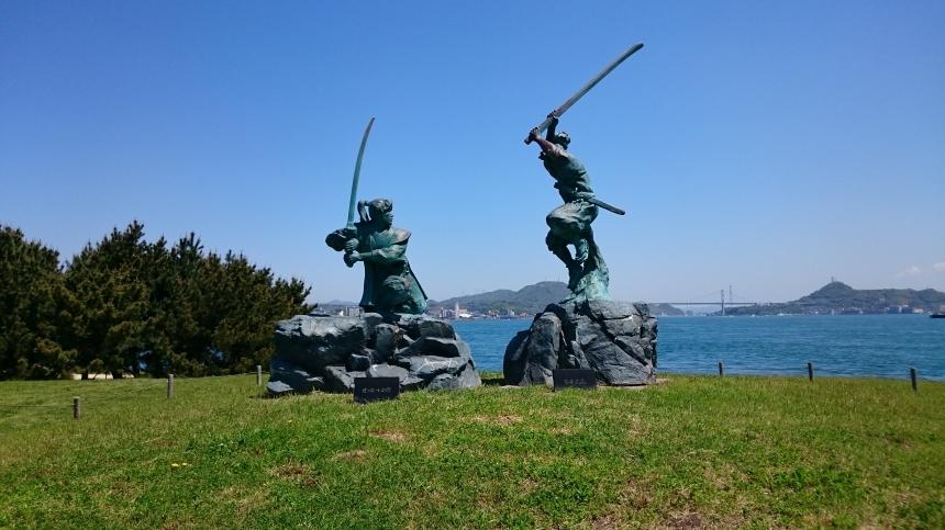 宮本武蔵と佐々木小次郎像